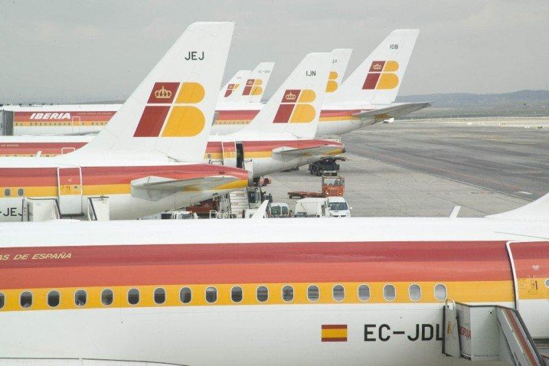 Iberia cancela 415 vuelos, el 39% de su programación habtual.