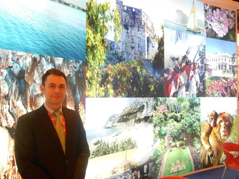 El ministro de Turismo, Transporte Público y Puerto de Gibraltar, Neil Costa, en la pasada edición de Fitur.