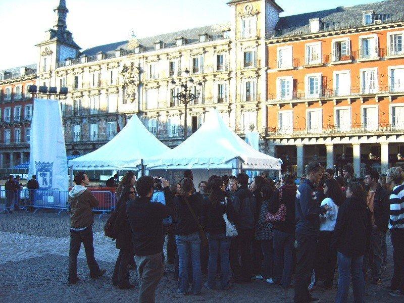 Un grupo de turistas en Madrid.