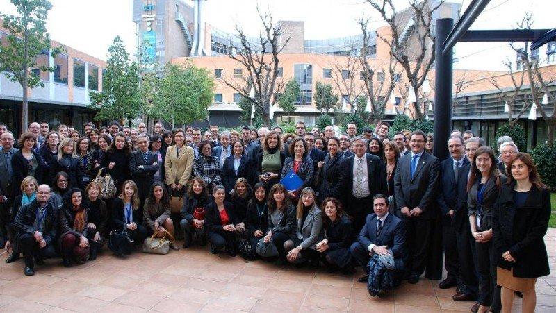 Representantes de las empresas que participaron en la jornada del CETT. Click para ampliar.