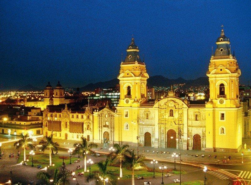 Plaza Mayor de Lima, Perú.