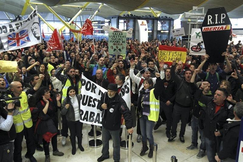 La horquilla de las pérdidas provocadas por la huelga de Iberia en el PIB regional oscila entre los 8,1 millones de euros y los 20,3 millones, según la Consejería.