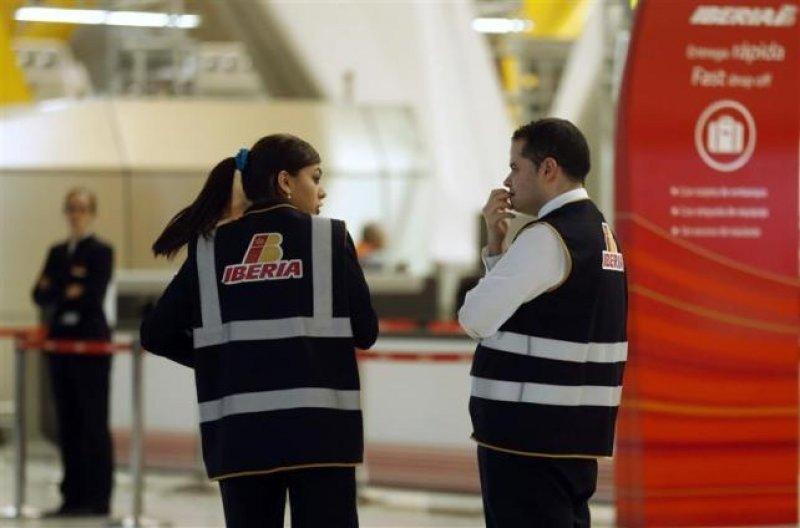Sindicatos que representan a 93% de trabajadores de la aerolínea están resueltos a ir a la huelga