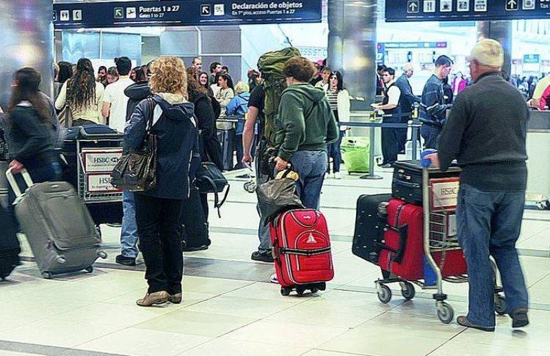El 83% de los argentinos que salió del país no contrató paquetes turísticos