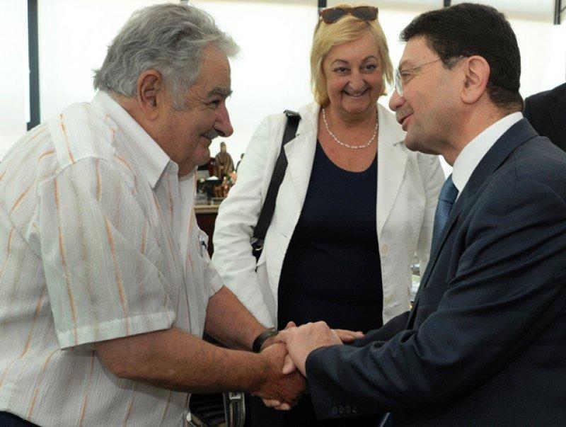 El presidente Mujica recibió al secretario general de la OMT en su despacho