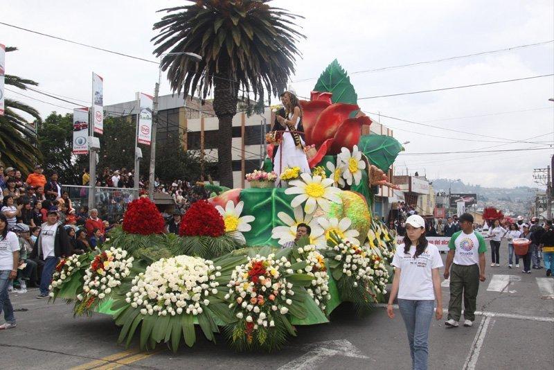 Lo más tradicional: la fiesta de las flores y las frutas de Ambato