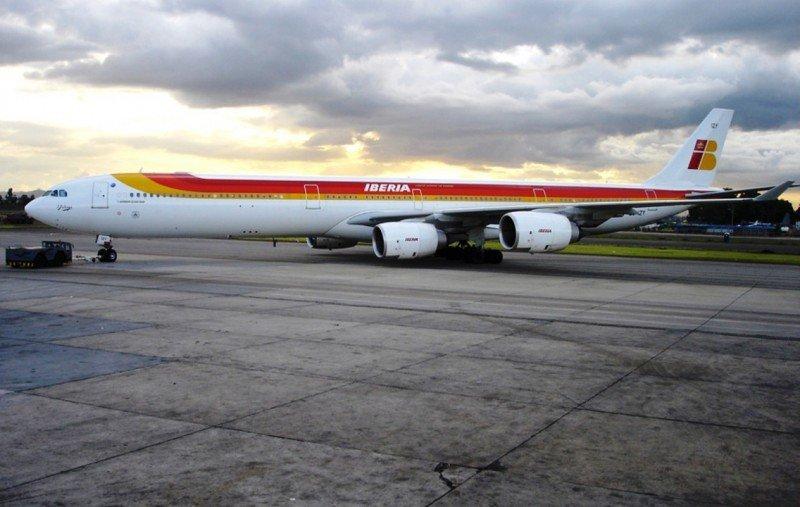 Según portavoces de la empresa, 'Iberia ha llegado a esta situación tras tres meses de negociaciones infructuosas con los representantes sindicales'