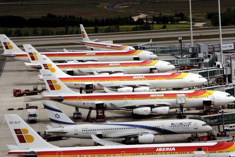 La compañía cancela 415 vuelos, el 39% de su calendario