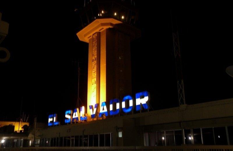 Invertirán US$ 150 millones en modernizar aeropuerto de El Salvador.