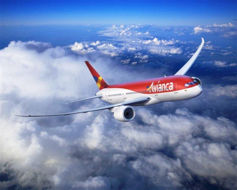Representantes de aerolínea colombiana se reúnen con viceministro de Turismo de Uruguay en ANATO