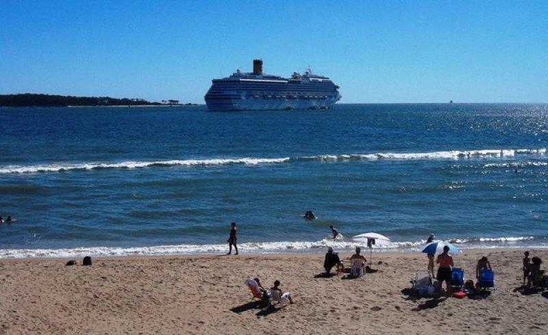 El 71% de los pasajeros que llegó esta temporada bajó en el puerto y el resto permaneció a bordo