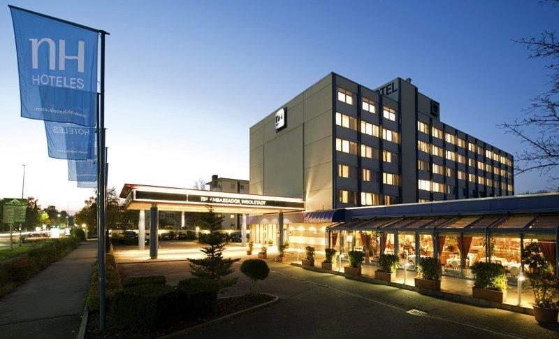 HNA controlará el 20% de NH Hoteles por 234,28 millones de euros.