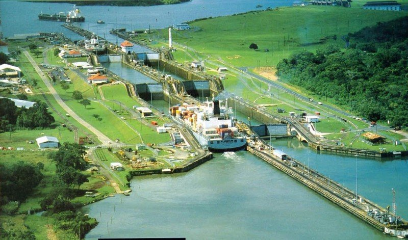 La ampliación del Canal de Panamá (en la imagen) es el mayor proyecto de la región, con un presupuesto de 3.980 millones de euros.