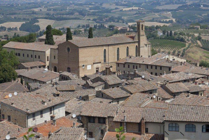 El turismo sólo perdió dos puestos de trabajo en Castilla y León en 2012. #shu#