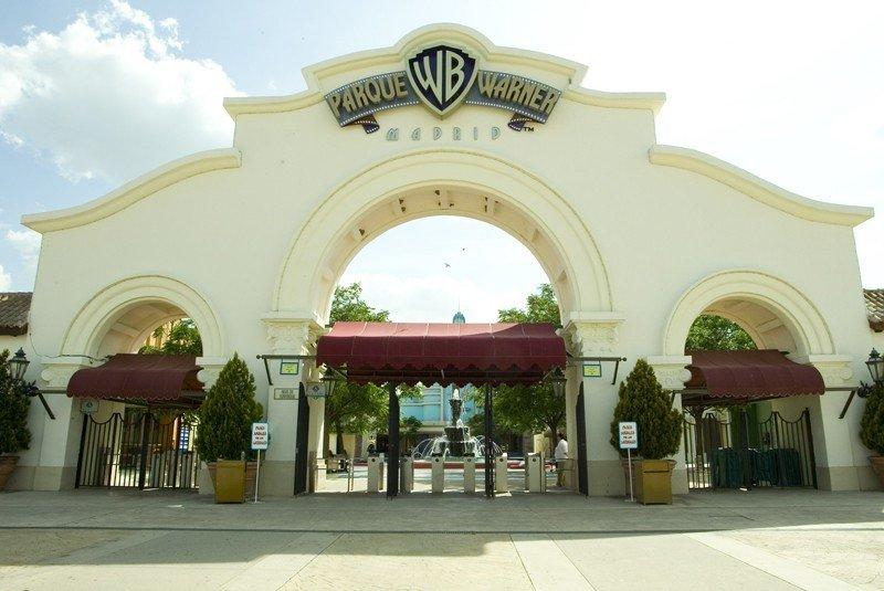 Parque Warner reabrirá sus puertas el 16 de marzo.