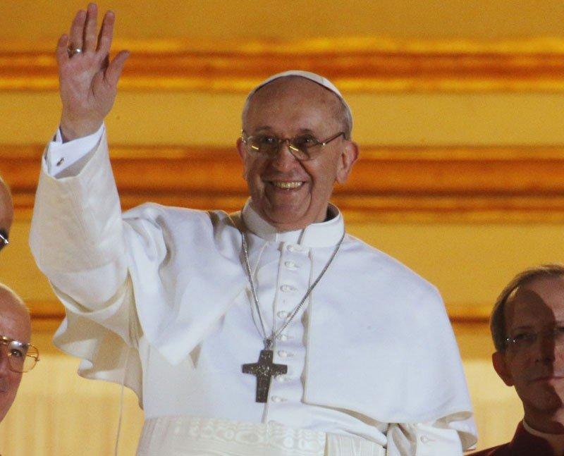 El nuevo Papa procede de un país muy religioso y con fuertes vínculos con Italia, donde además es muy conocido.