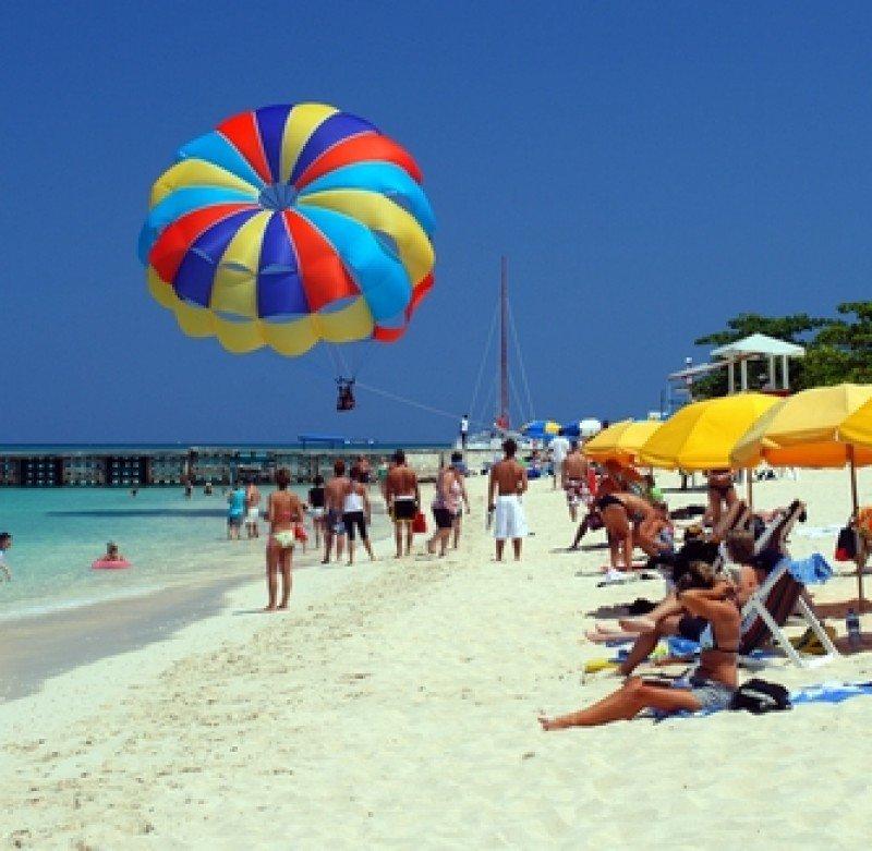 Una playa en Montego Bay, Jamaica. #shu#