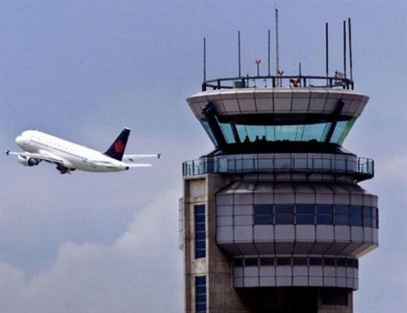 Controladores alertan sobre la falta de capacitación del nuevo personal en las torres
