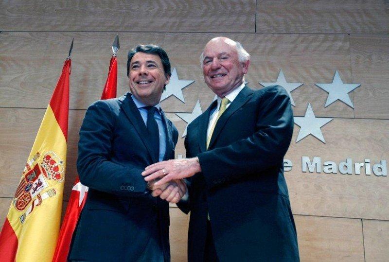 Ignacio González, presidente de la Comunidad de Madrid, con Michael Leven.