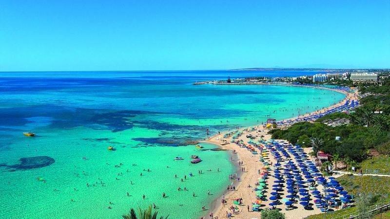 Un resort turístico en la costa de Chipre.