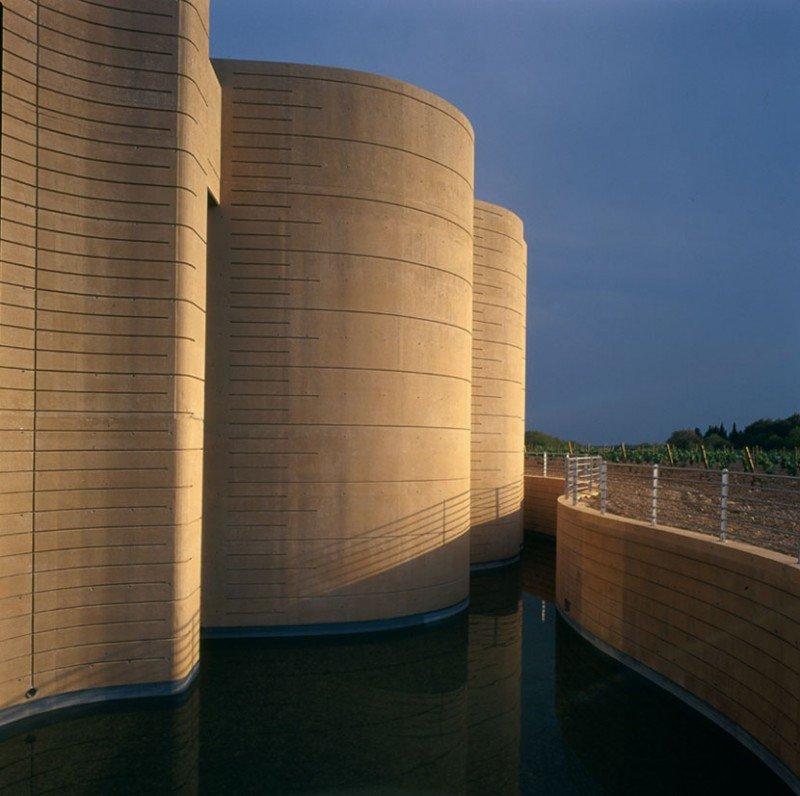 El Centro de Arte y Naturaleza (CDAN) de Huesca, diseñado por Rafael Moneo, ofrece también sus espacios para actividades promovidas por terceros.
