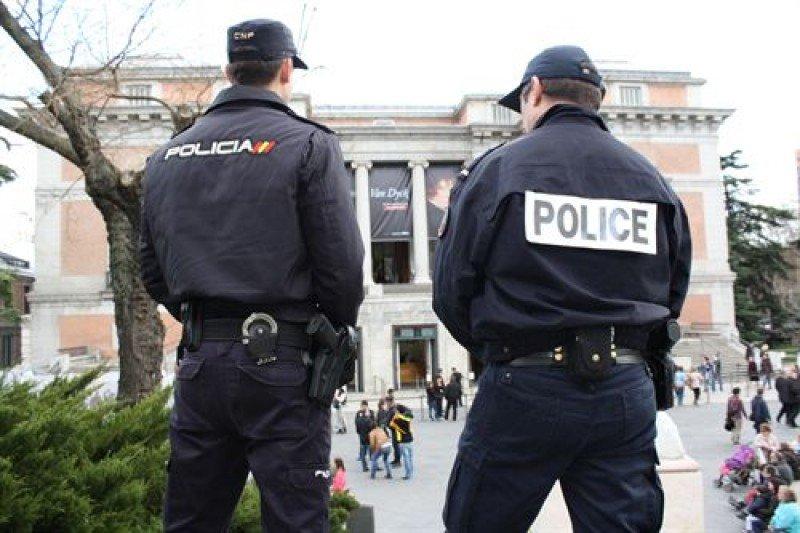 La policía francesa y portuguesa se integra en la Policía Nacional para reforzar la atención al turista