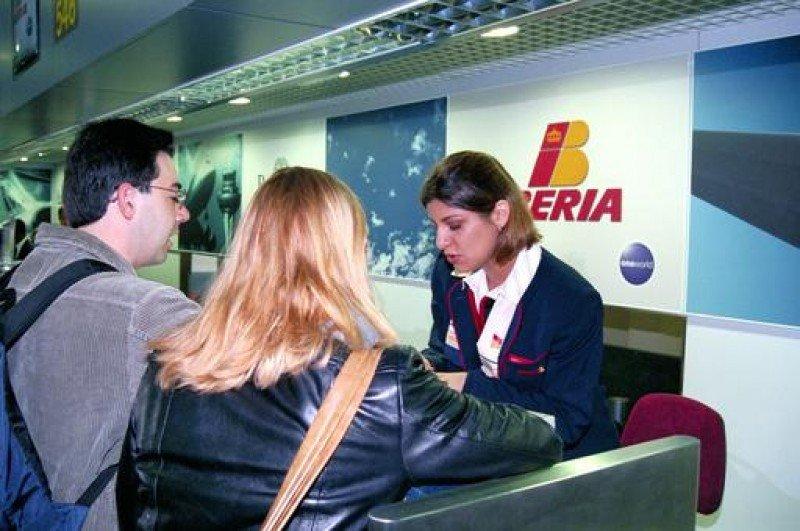 El sector turístico ingresa 1.800 M € menos por la pérdida de dos millones de pasajeros aéreos