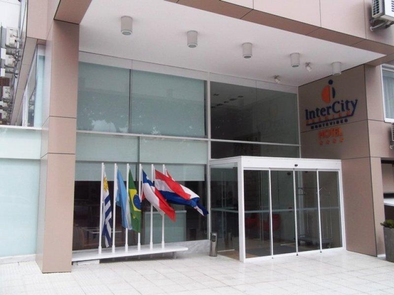 Fachada del primer hotel de InterCity fuera de Brasil