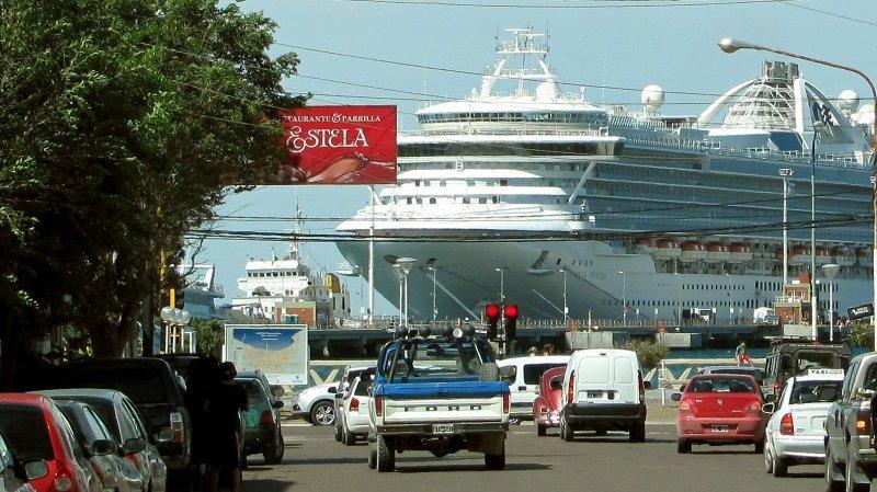 Star Princess, uno de los cruceros más grandes que amarró en Madryn.
