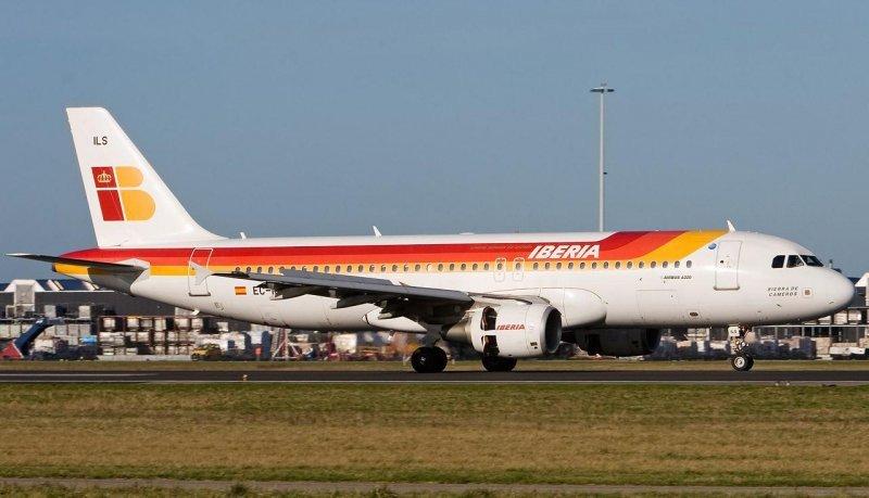 E la primera semana de huelga Iberia debió recolocar a unos 70.000 pasajeros