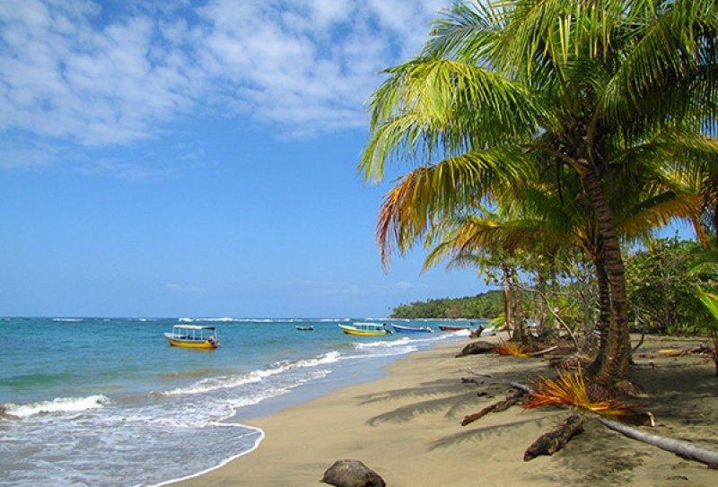 Récord de turistas en Costa Rica: 2,34 millones durante el 2012.