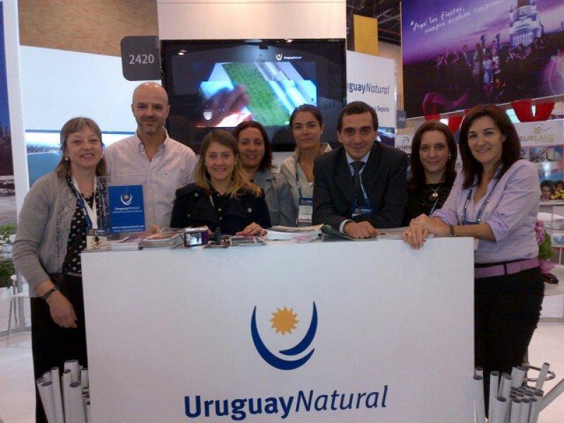 Equipo de Uruguay en la XXXII Vidriera ANATO
