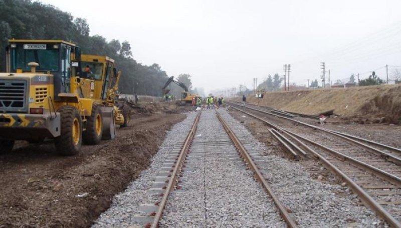Abren licitación para renovar las vías del tramo Buenos Aires-Rosario