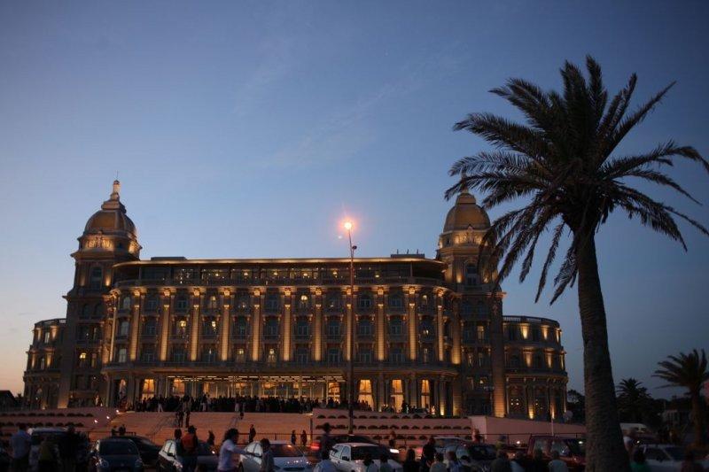 El renovado Hotel Casino Carrasco en la noche de su reinauguración