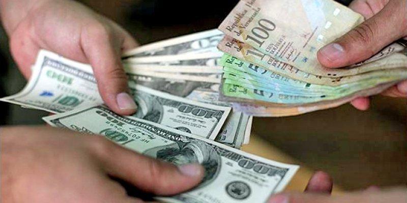 Venezuela impulsará medidas para frenar especulación con dólar paralelo.
