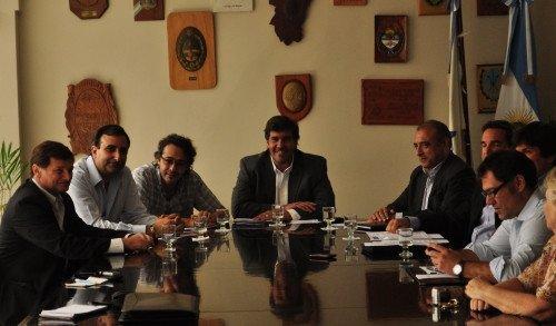 De la firma del convenio participaron autoridades de AAAVYT y miembros del Consejo Directivo de Allianz.