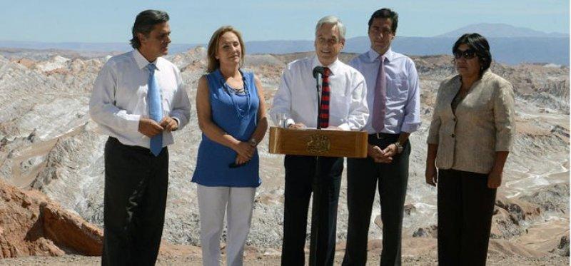 Presidente Piñera analizó el turismo nacional en su visita a San Pedro de Atacama.