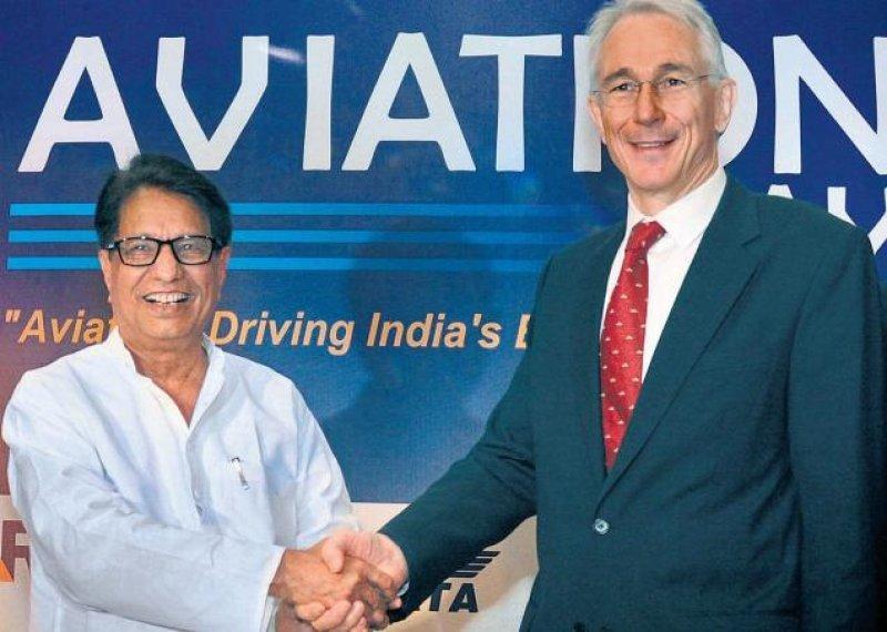Tony Tyler hizo una serie de recomendaciones a la industria y el gobierno indios