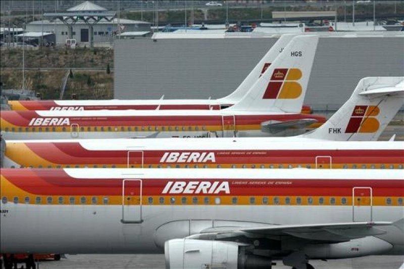 Iberia presenta en Empleo el ERE por los 3.141 trabajadores acordados