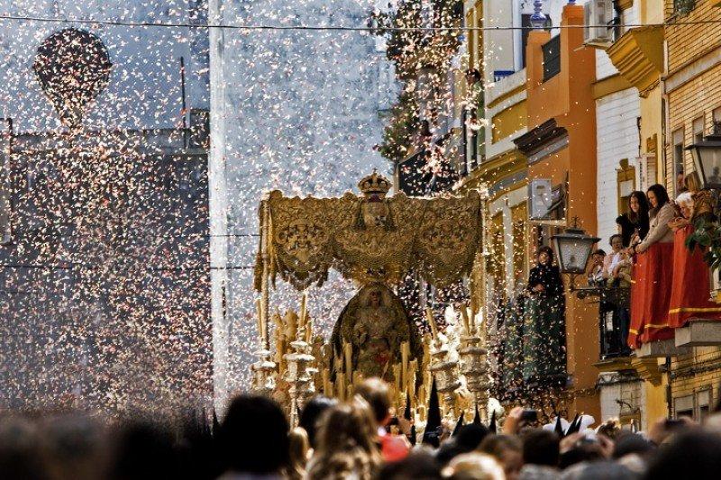 Los hoteles de Sevilla llegaron al 90% de ocupación la noche del Jueves Santo.