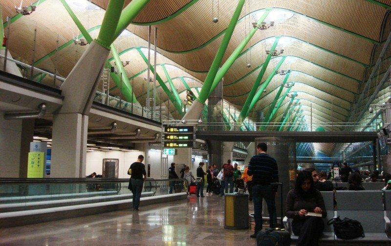 El Aeropuerto de Madrid-Barajas es el que más tráfico de pasajeros ha perdido.