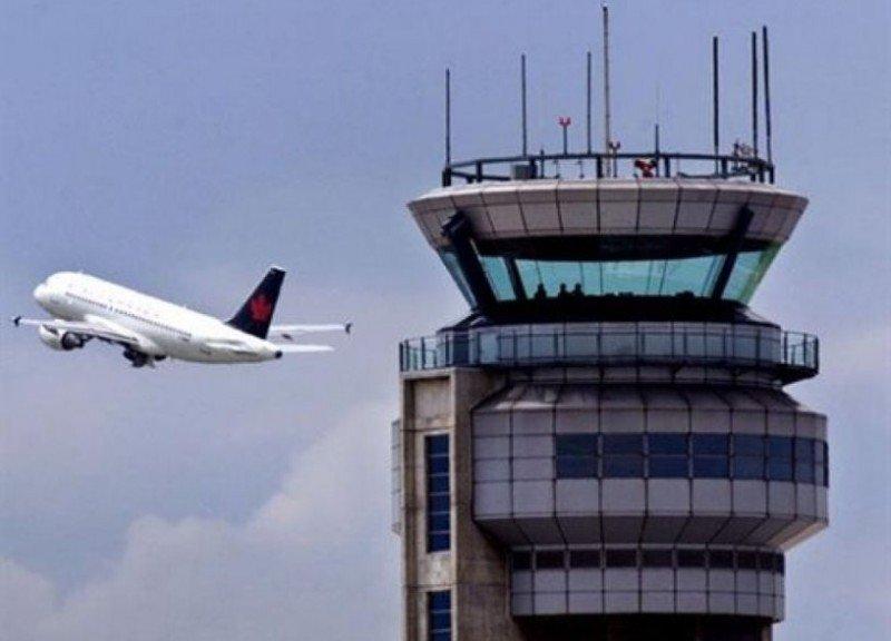 Controladores y pilotos mejoran su coordinación en las torres de control