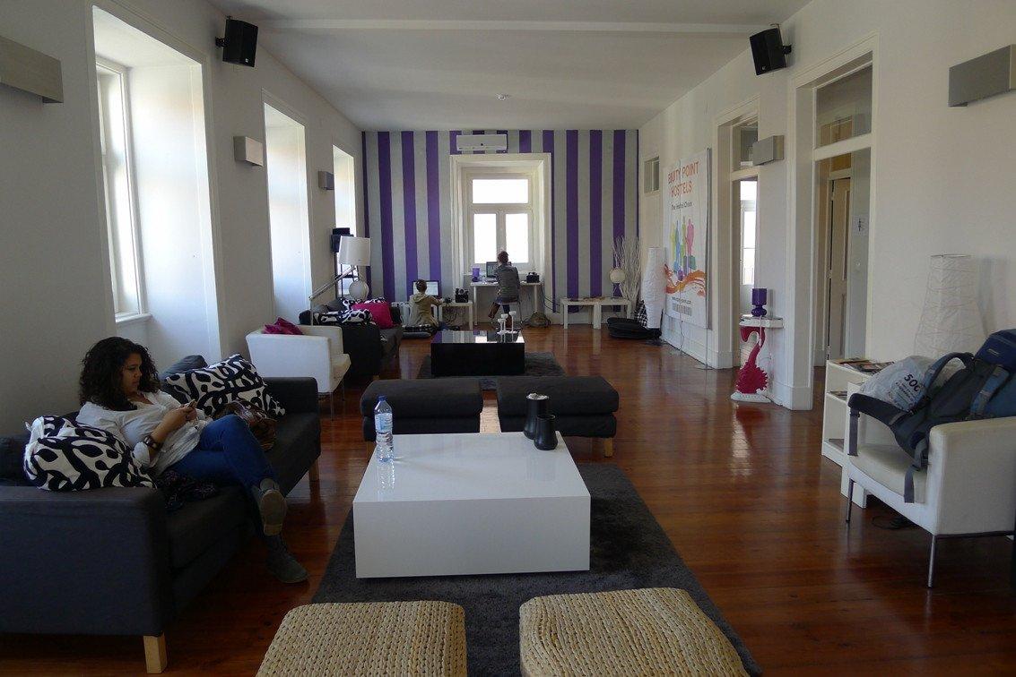 La tecnología tiene un papel primordial en los espacios comunes. Foto: Equity Points Hostels.