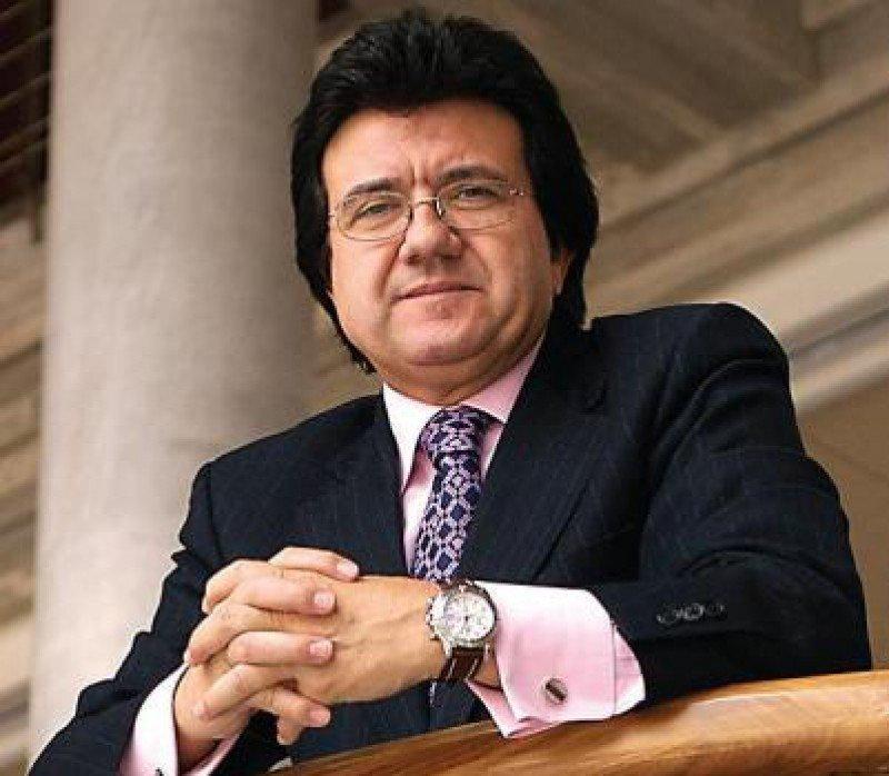 Luis Mata.