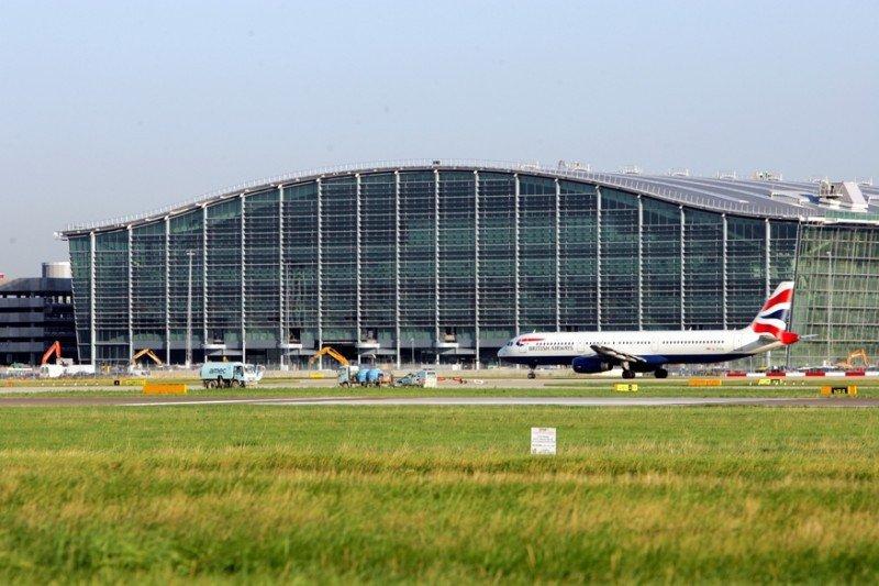 El Aeropuerto Londres Heathrow marca un récord de tráfico, impulsado por la aerolínea de referencia, British Airways.