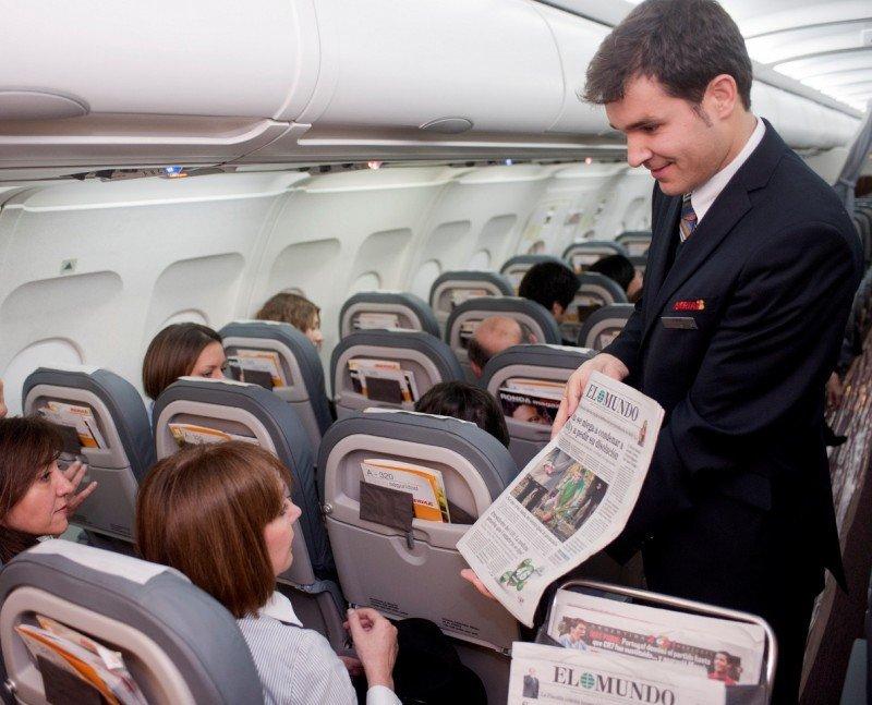 Iberia rechaza un posible acuerdo con sus TCP y recortará su salario un 18%