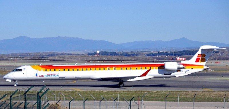 Air Nostrum impide comer a los pilotos a bordo del avión