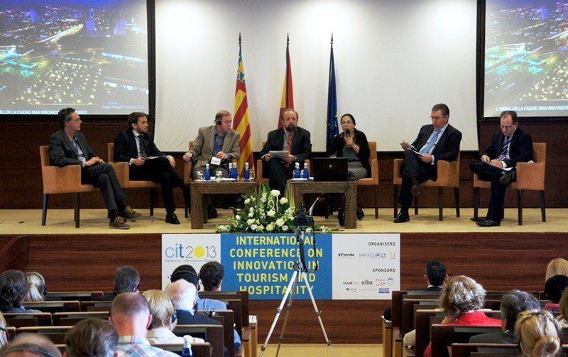 Edna Roso. Mesa redonda CIT 2013: Conferencia Internacional Innovación y Turismo. Valencia.