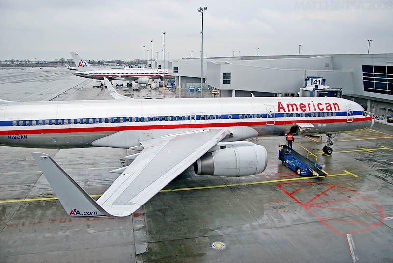 American Airlines genera beneficios por primera vez en seis años