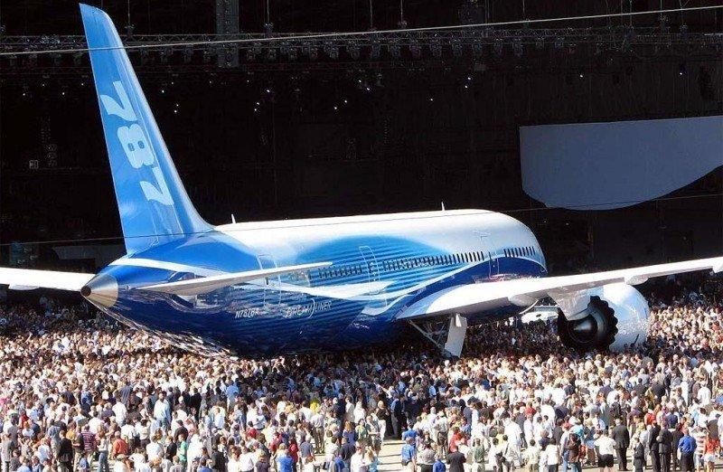 El Boeing 787 Dreamliner, en el acto de su presentación pública en diciembre de 2009.
